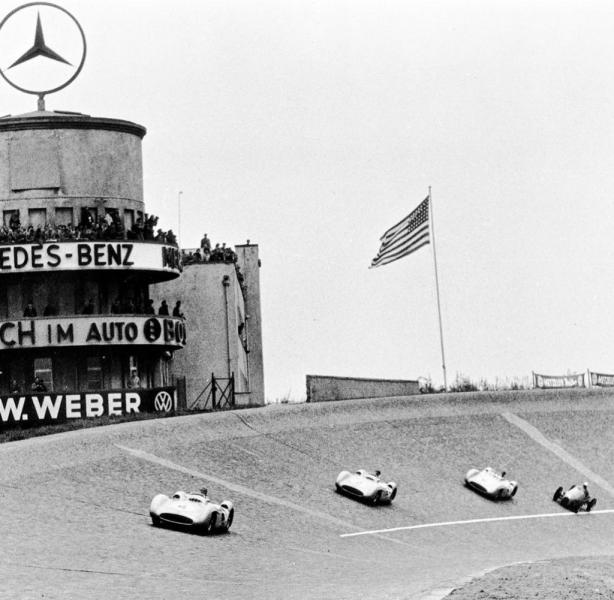 7-Mercedes-F1-Nordkurve-1954reise-avus-nordkurve-DW-Reise-Berlin-jpg