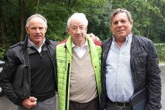Helmut und Manfred Henzler mit Rennlegende Eberhard Mahle_1509