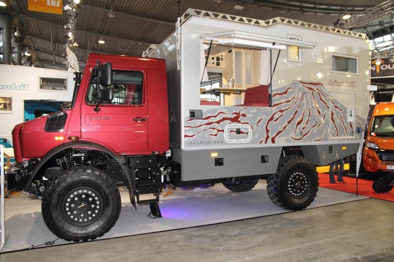 Outdoor-Aufbau von bimobil auf einem Unimog-Chassis