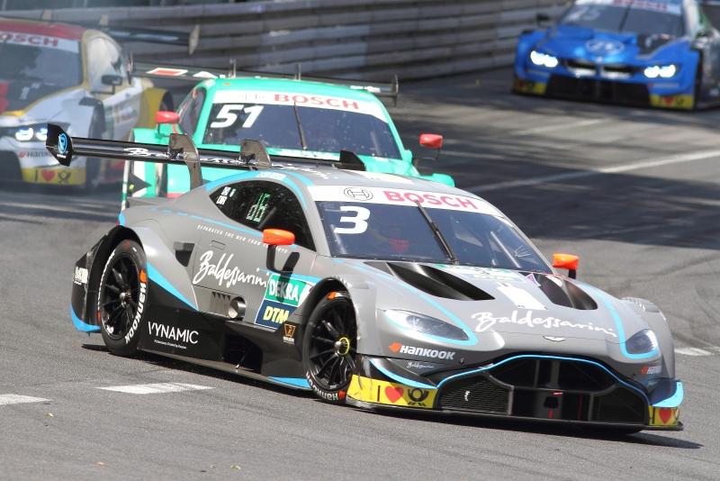 Die-Aston-Martin-stiegen-aus_Foto-Strähle