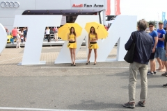 beliebtes Fotomotiv im Fahrerlager