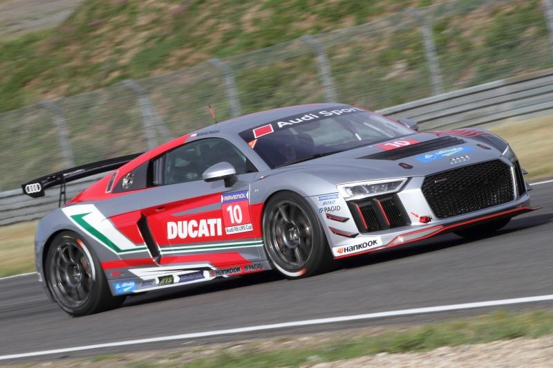 Audi R8 LMS im Rahmenrennen