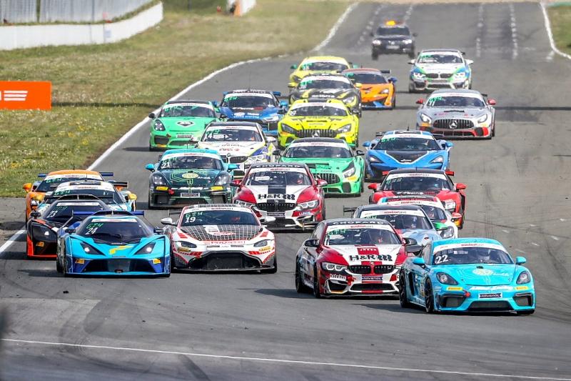 GT4-Wagen-starten-in-der-DTM-Trophy_Foto-ADAC-Presse