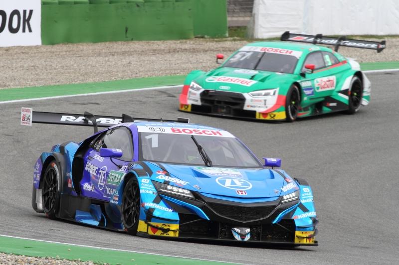 Jenson-Button-liegt-noch-vor-dem-DTM-Vizechampion-Nico-Müller