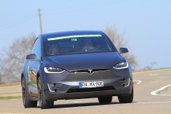 2   Dr. Cl. Winter und Th. Bellgardt im Tesla X90D