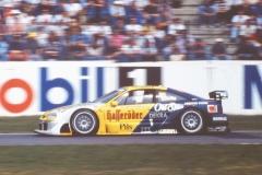 DTM-1995-im-Opel-Calibra_Foto-Strähle