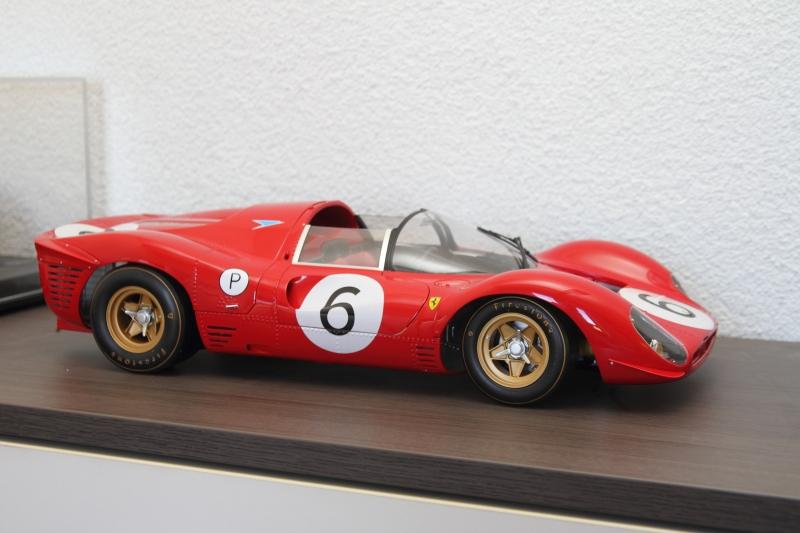 Hobby-und-Profession-1-5-Modell-des-Ferrari-P4