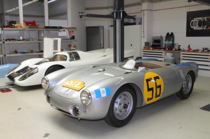 Im-Hintergrund-der-917-XXX-vorne-ein-550-Spyder