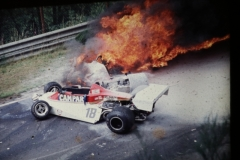 5-1-Lauda brennendes Auto II