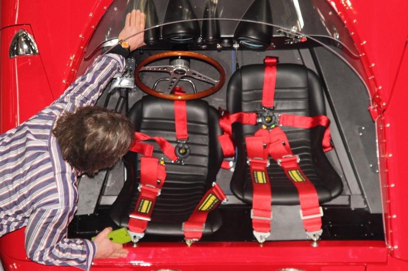 Einparken-eines-Ferrari-Rennboliden_3638