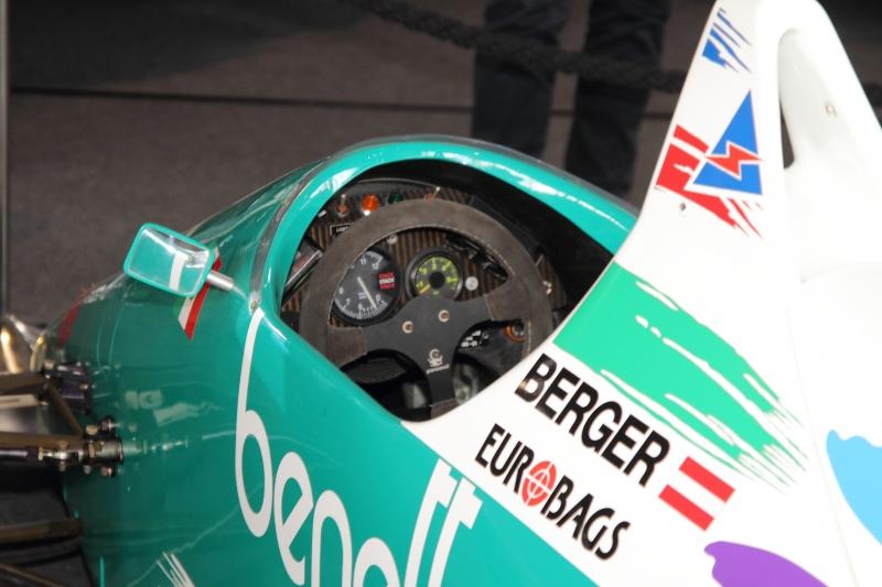 Gerhard Berger's BMW Cockpit in der Formel 1 - Foto Strähle