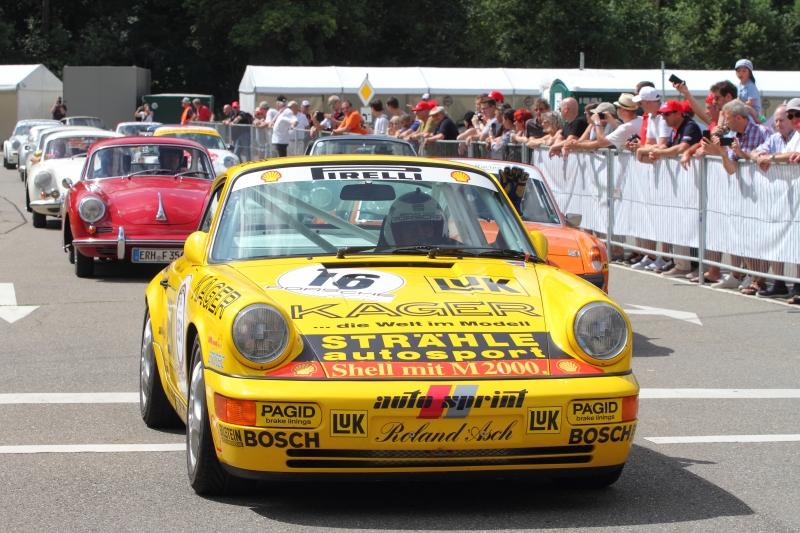 Carrera-Cup-Sieger-Roland-Asch-begeisterte-die-Fans_2627
