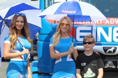 12-Grid-Girls