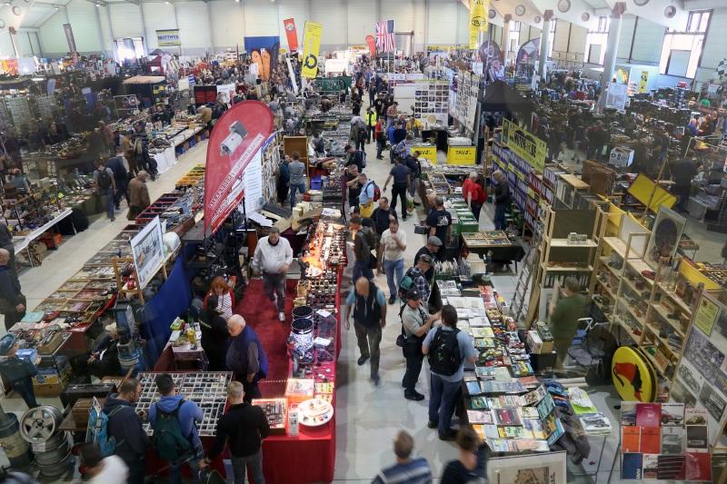 Shoppen-im-Trockenen-Maimarkthalle-low